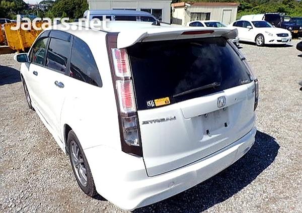 Honda Stream 1,8L 2012-4