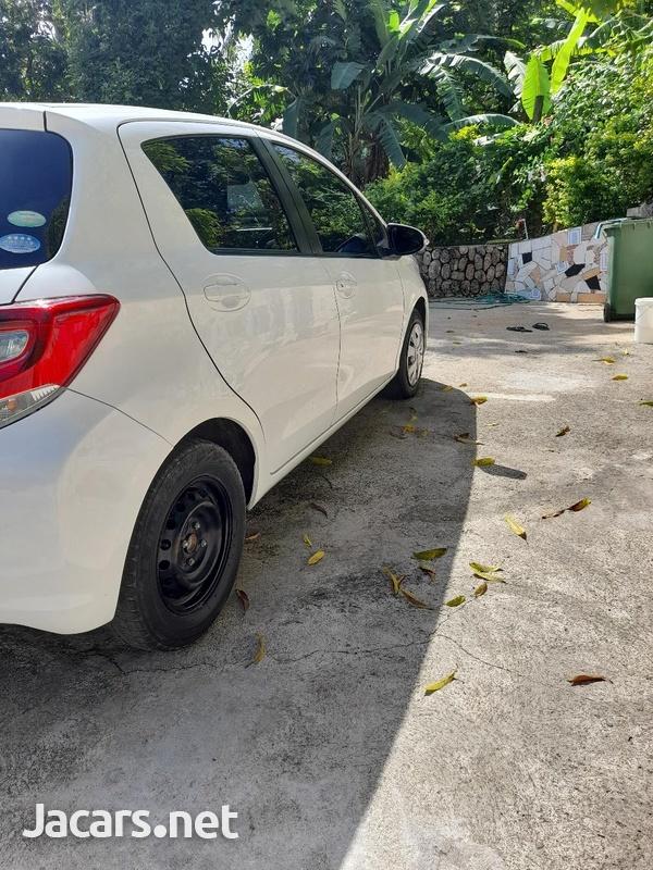 Toyota Vitz 1,5L 2015-5