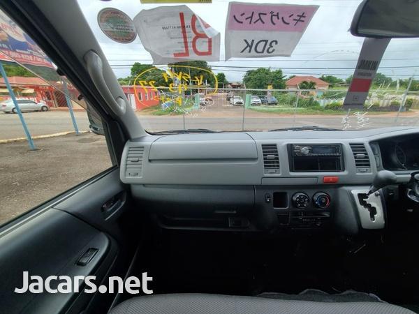 Toyota Hiace 2,0L 2013-12