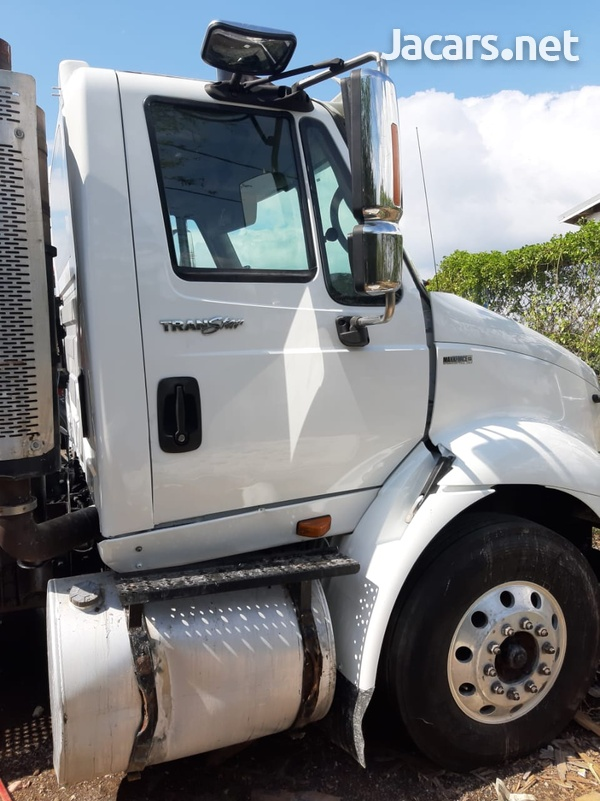 2010 8600 International Maxforce Truck-3
