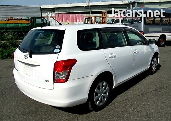 Toyota Fielder 1,5L 2012-4