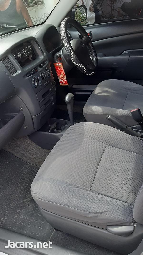 Toyota Probox 1,5L 2014-14