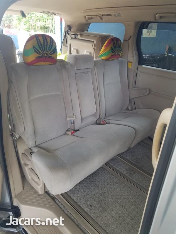 Toyota Alphard 2,0L 2011-5