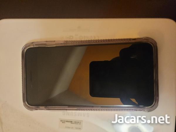 iphone 8 plus unlocked-2