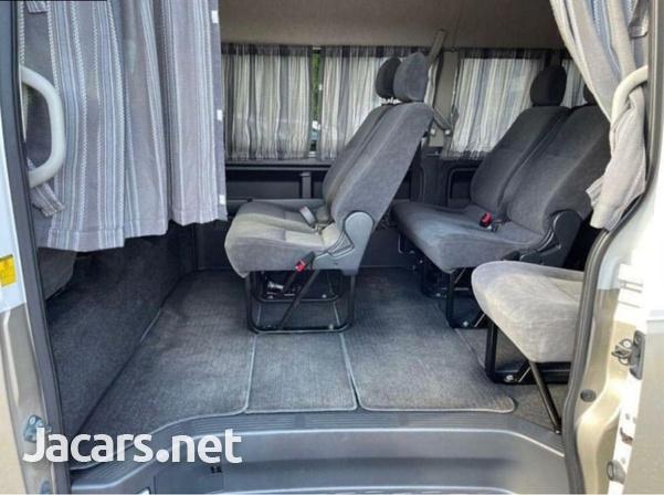 2013 Toyota Hiace Bus-5