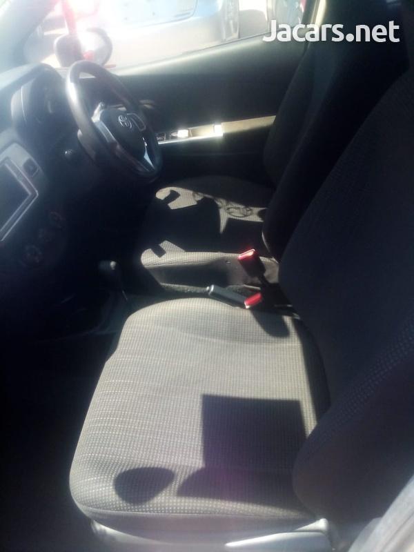 Toyota Vitz 1,3L 2014-7