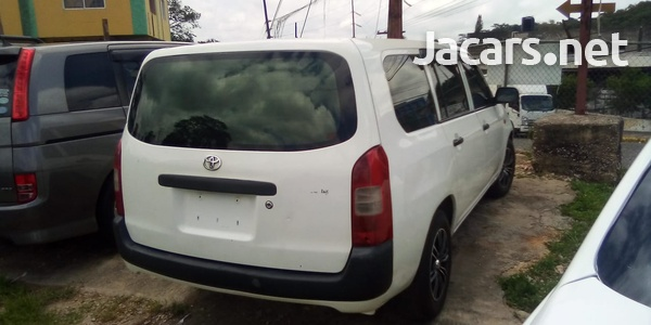 Toyota Probox 1,5L 2012-7