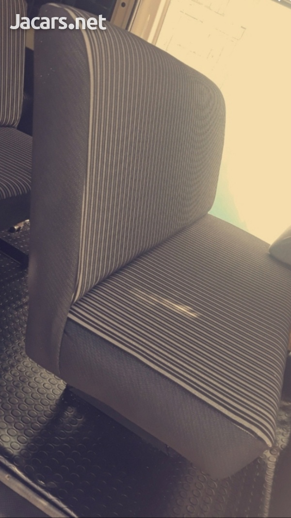 BUS SEATS WITH COMFORT AND STYLE.CONTACT THE EXPERTS 8762921460-3
