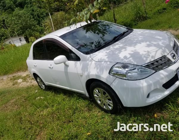 Nissan Tiida 1,3L 2009-4