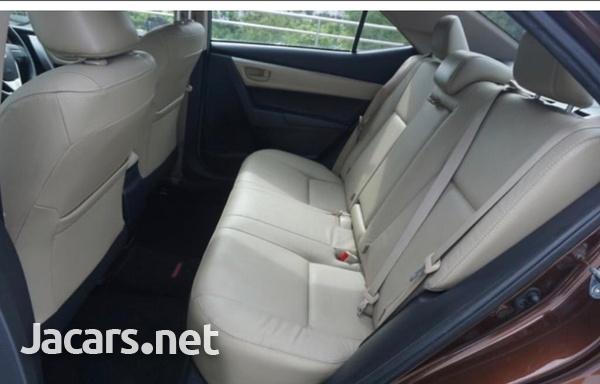 Toyota Corolla Altis 1,6L 2015-9