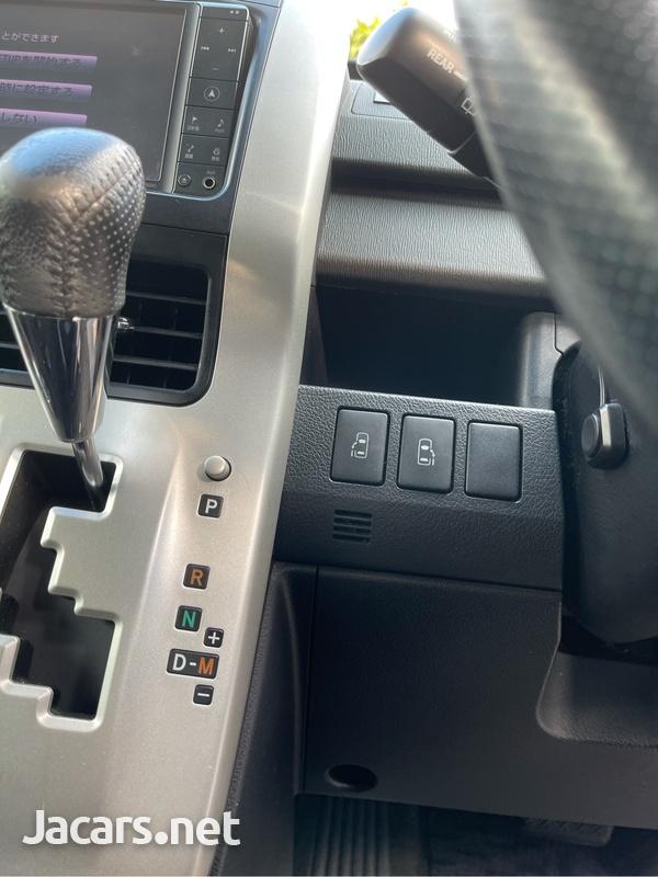 Toyota Voxy 1,2L 2011-7