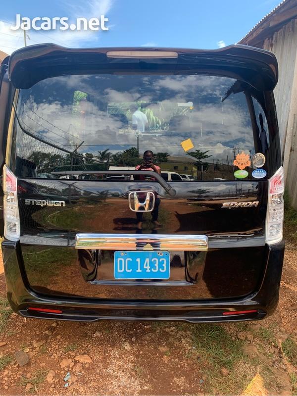 Honda Stepwgn 1,9L 2012-6