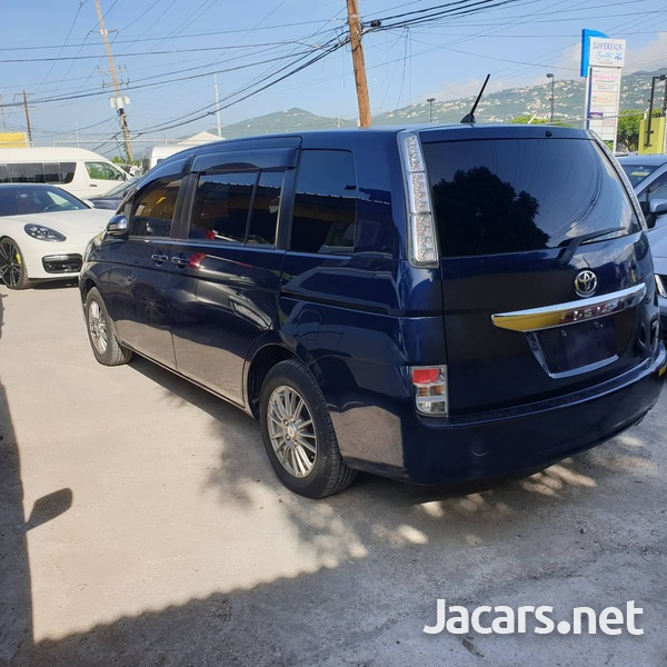 Toyota Isis 1,8L 2013-2