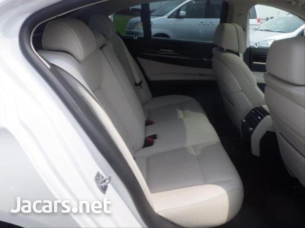 BMW 7-Series 0,4L 2014-12