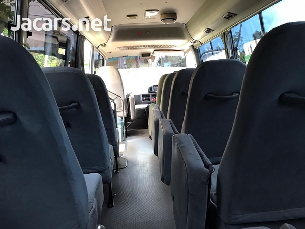 2007 Hino Bus-6