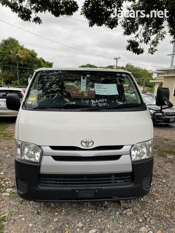 Toyota Hiace 2,0L 2016-1