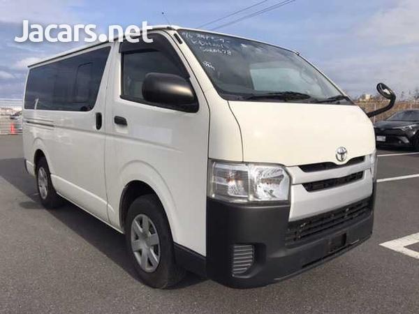 Toyota Regius Ace/Hiace-1