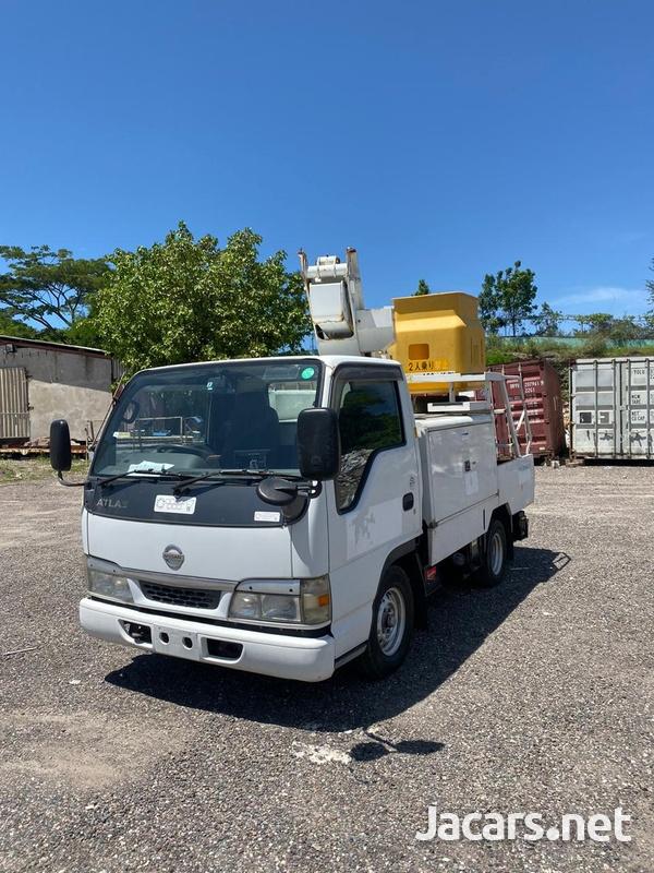 2004 Nissan Atlas Truck-1