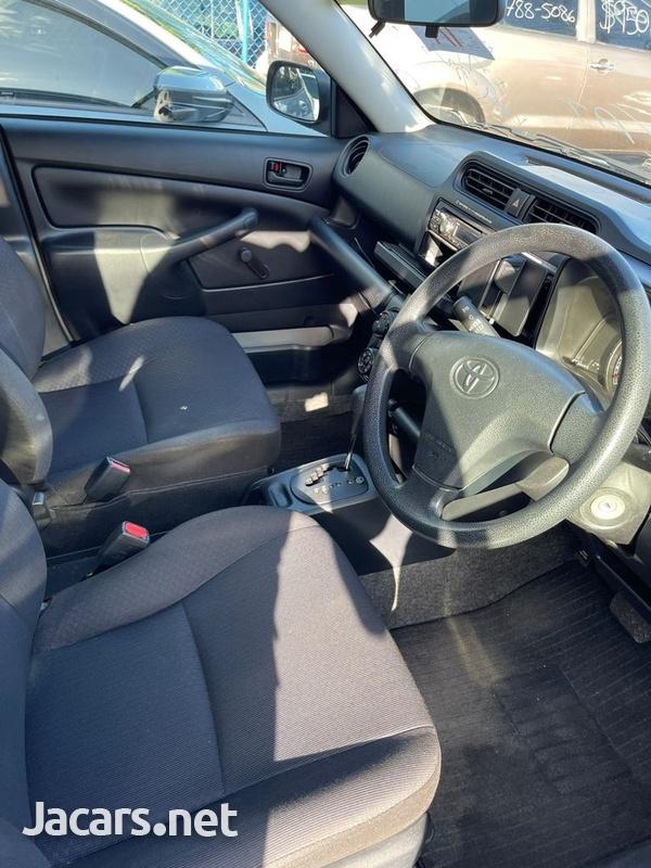 Toyota Probox 1,5L 2016-13