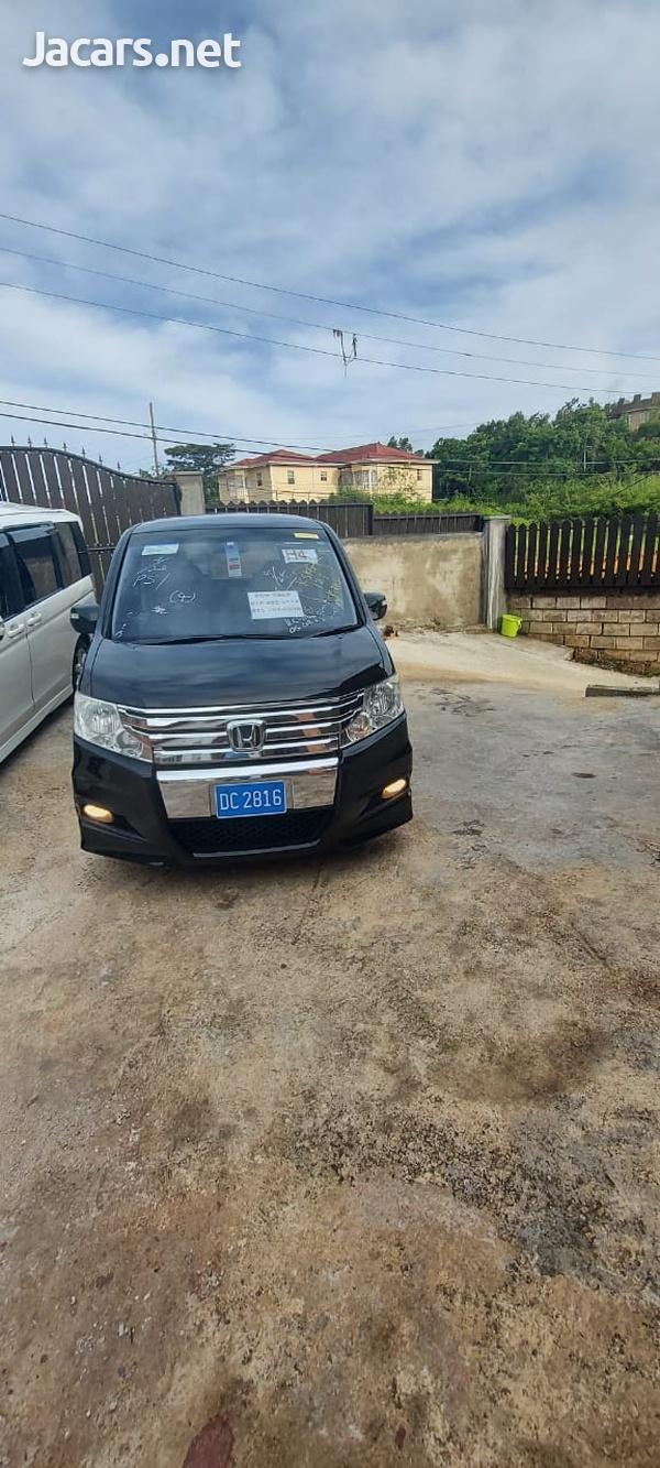Honda Stepwgn Spada 2,0L 2012-6