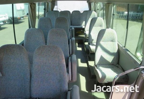 2006 Toyota Coaster Bus 4,0L-10