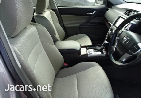 Toyota Mark X 2,0L 2012-5