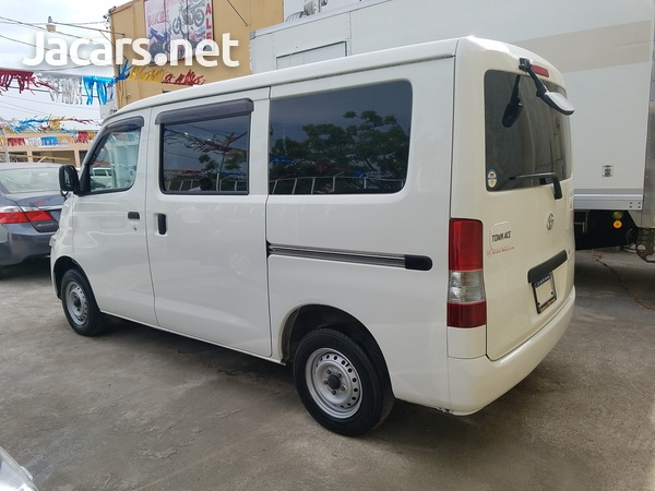 Toyota Town Ace 1,5L 2013-5