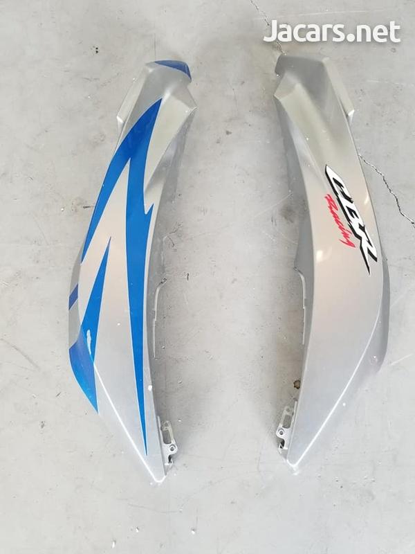 2007,08,09 Honda CBR 600rr left and right upper fairing-1