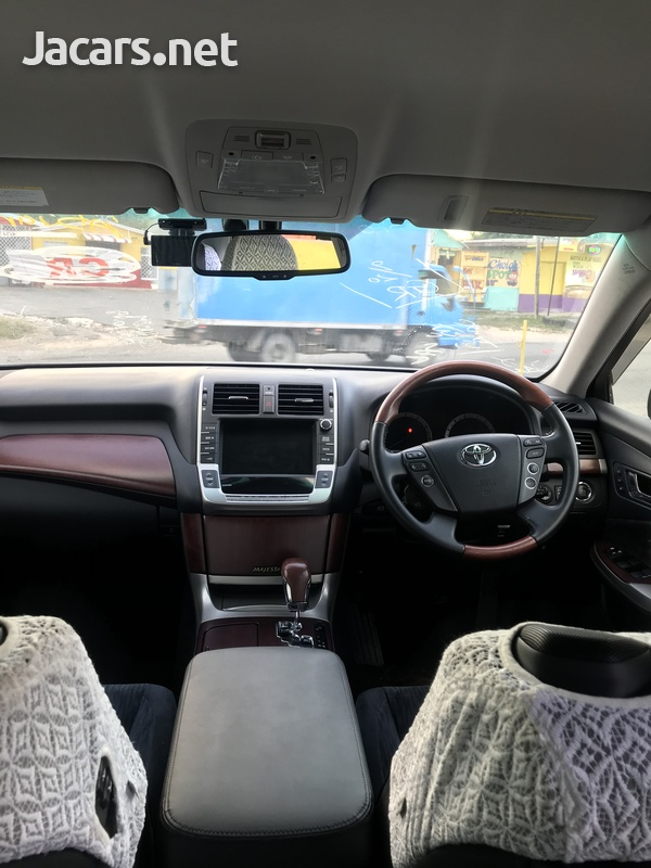 Toyota Crown 4,6L 2013-4
