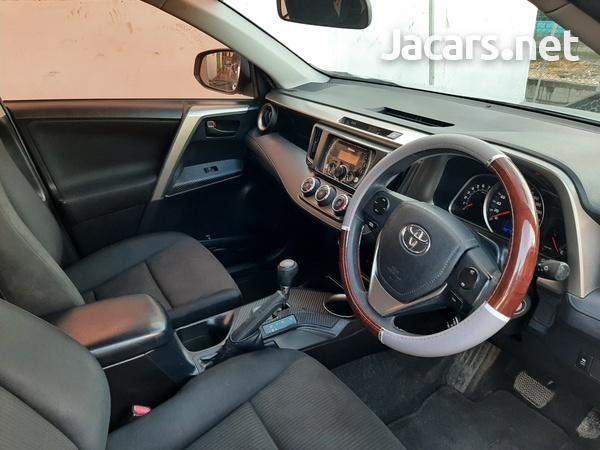 Toyota RAV4 2,4L 2013-4