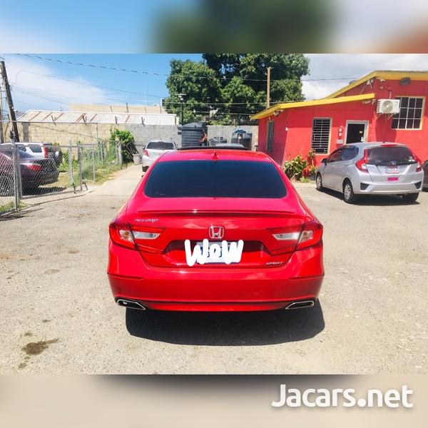 Honda Accord 1,8L 2019-3