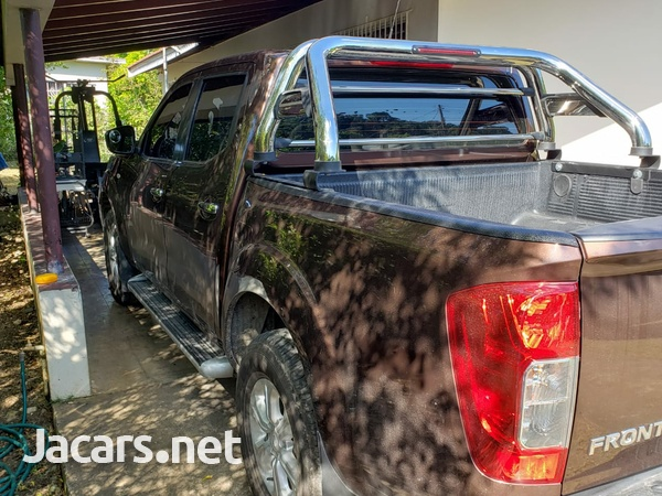 Nissan Frontier 2,5L 2020-1