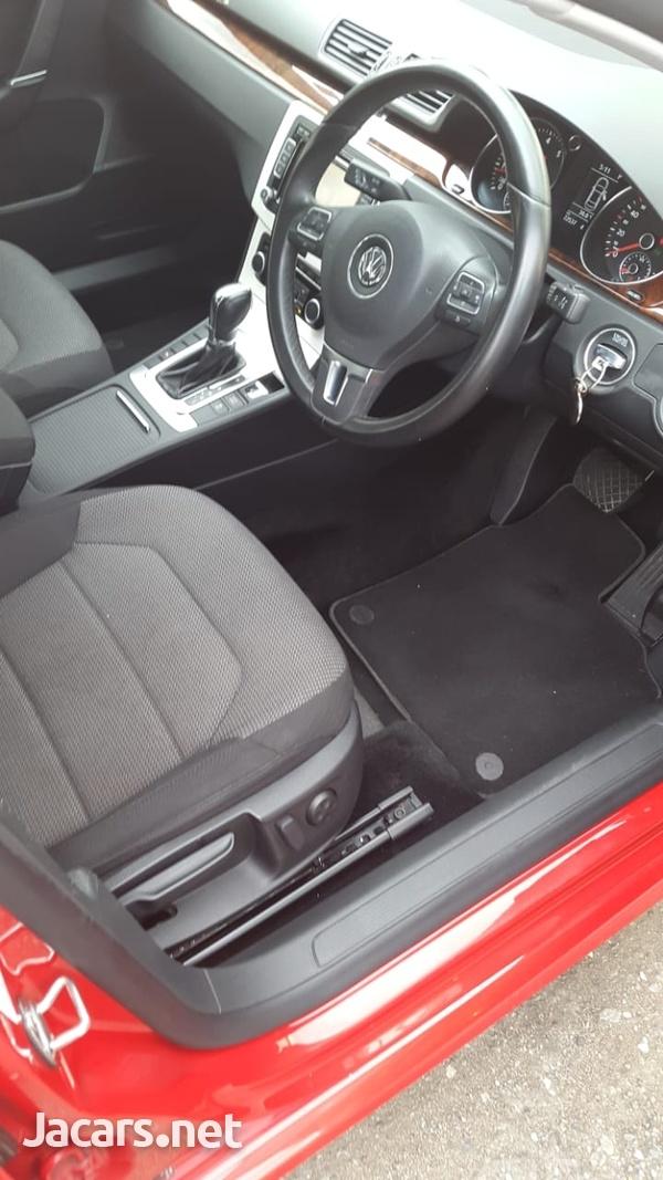 Volkswagen Passat 2,0L 2012-3