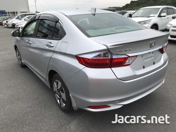 Honda Grace 1,5L 2015-6