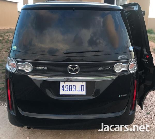 Mazda Biante 2,0L 2012-3
