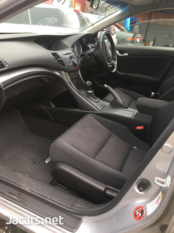 Honda Accord 1,4L 2012-4