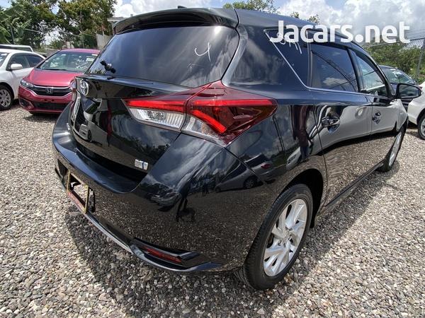 Toyota AURIS 1,8L 2016-9