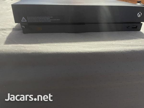 Xbox one x-1