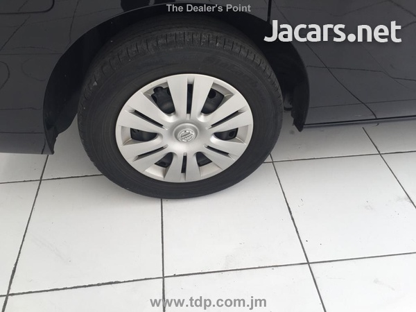 Nissan Serena 2,0L 2013-10