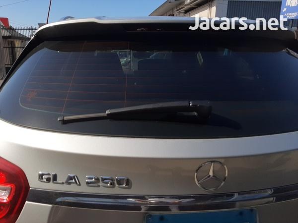 Mercedes-Benz GLA-Class 2,0L 2015-6