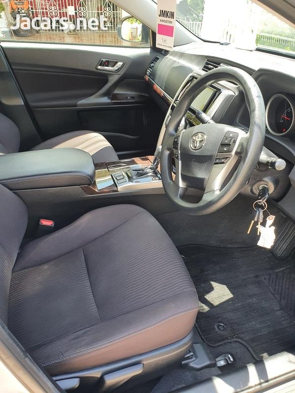 Toyota Mark X 2,5L 2017-8