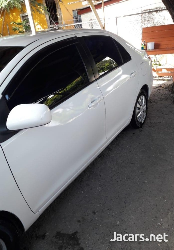 Toyota Belta 1,0L 2009-5