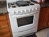 6 burner stove - Mabe brand