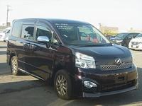 Toyota Voxy 1,5L 2013
