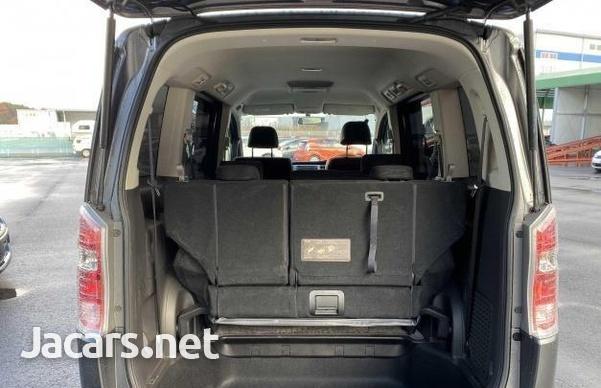 Honda Stepwgn 1,8L 2012-3