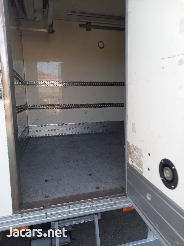2011 Refrigerator Mitsubishi Canter Box Body Truck-3