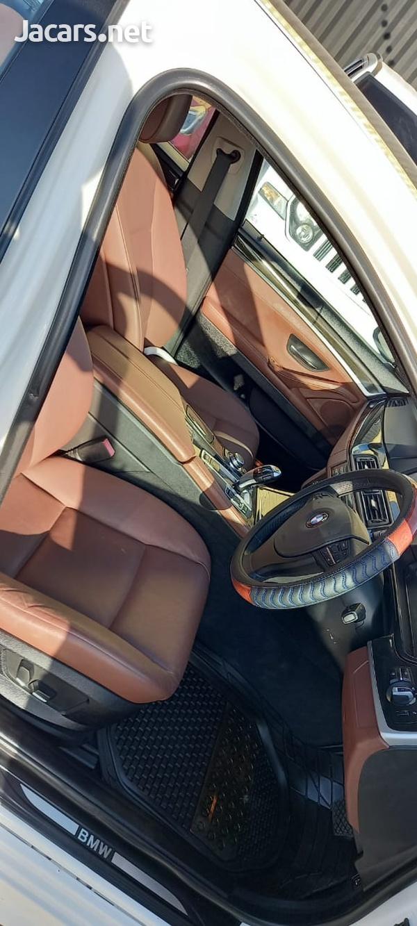 BMW 5-Series 2,5L 2012-5