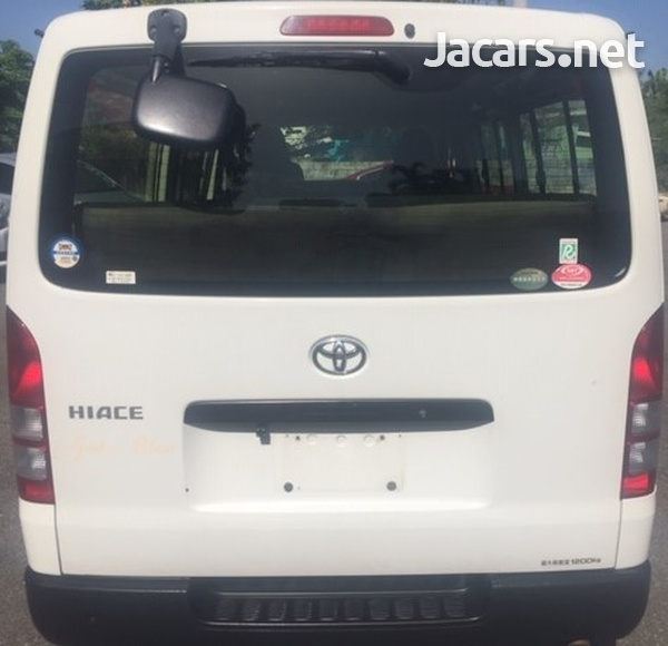 Toyota Hiace 2,0L 2012-5