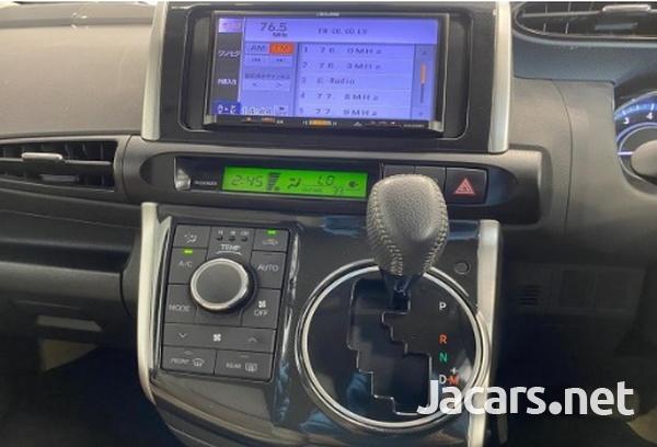 Toyota Wish 1,8L 2015-13
