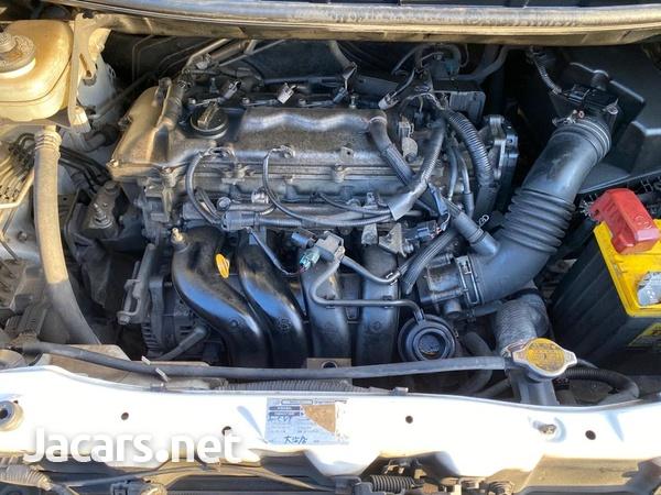 Toyota Voxy 1,9L 2011-4